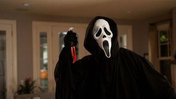 Обои крик 4, фильм, ужасов, уэс крейвен, роль, маска, страх, кино, актер, грим, нож, кровь