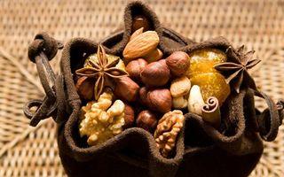 Бесплатные фото орехи,грецкие,миндаль,мешочек,гвоздика,фундук,корица