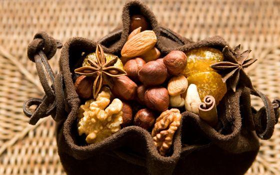 Photo free nuts, walnuts, almonds