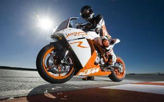 Бесплатные фото мотоциклист,спорт байк,спортивный,мотоцикл,солнце,небо,трек