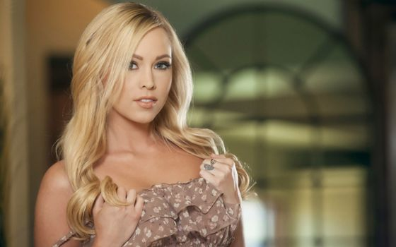Photo free brea bennett, blonde, dress