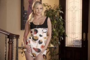 Бесплатные фото brea bennett,блондинка,сексуальная,девушка,одеваться,прическа,хвост