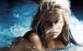 Фото бесплатно блондинка, бассейн, вода