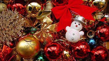 Бесплатные фото шары,елочные,игрушки,снеговик,украшение,ленточки,бантики