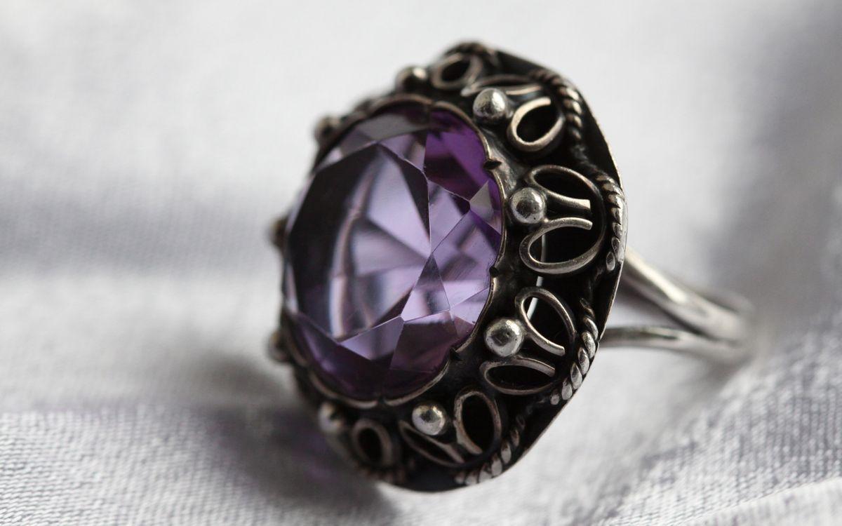 Фото бесплатно кольцо, украшения, камень.аметист, серебро, разное