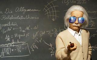 Фото бесплатно альберт, эйнштейн, современный, гений, физик, солнцезащитные, очки, трубка, доска, формулы, юмор, мужчины
