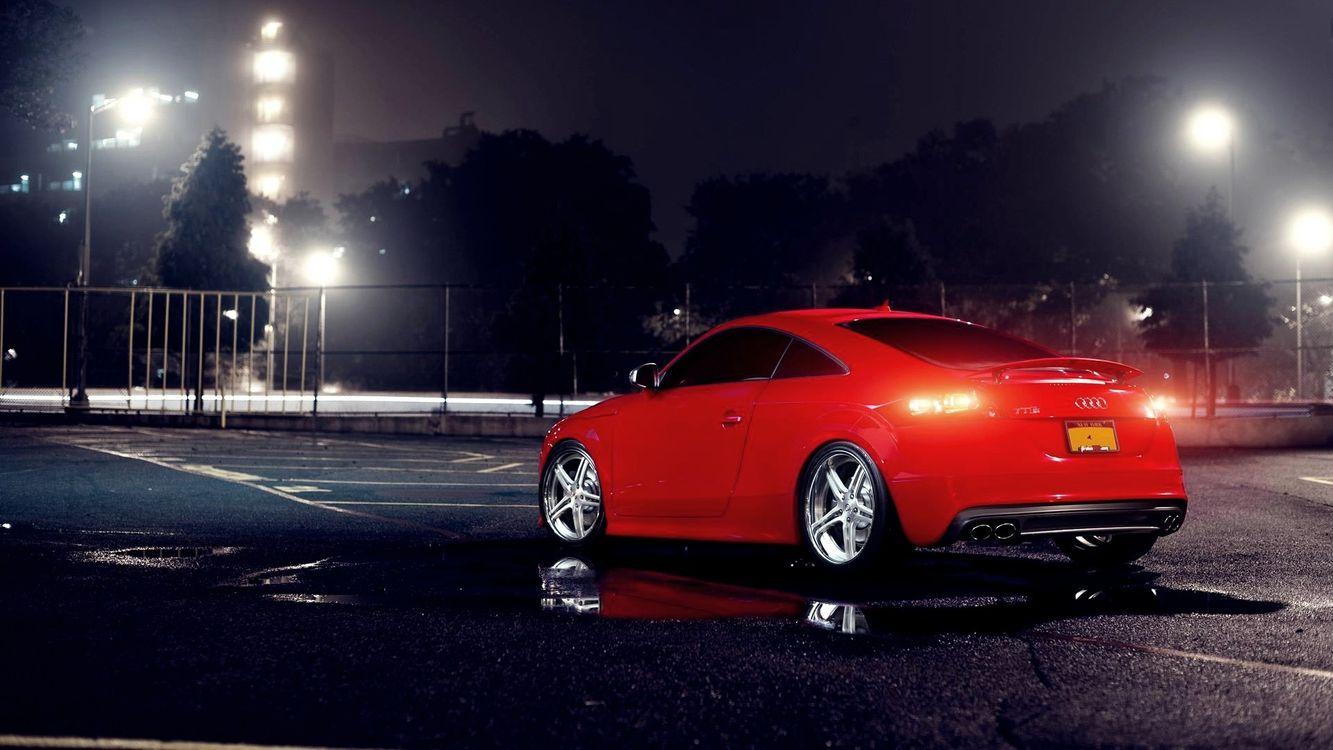 Фото бесплатно автомобиль, фары, капот, решетка, диски, колеса, шины, дверка, стекло, зеркало, асфальт, стадион, машины, машины