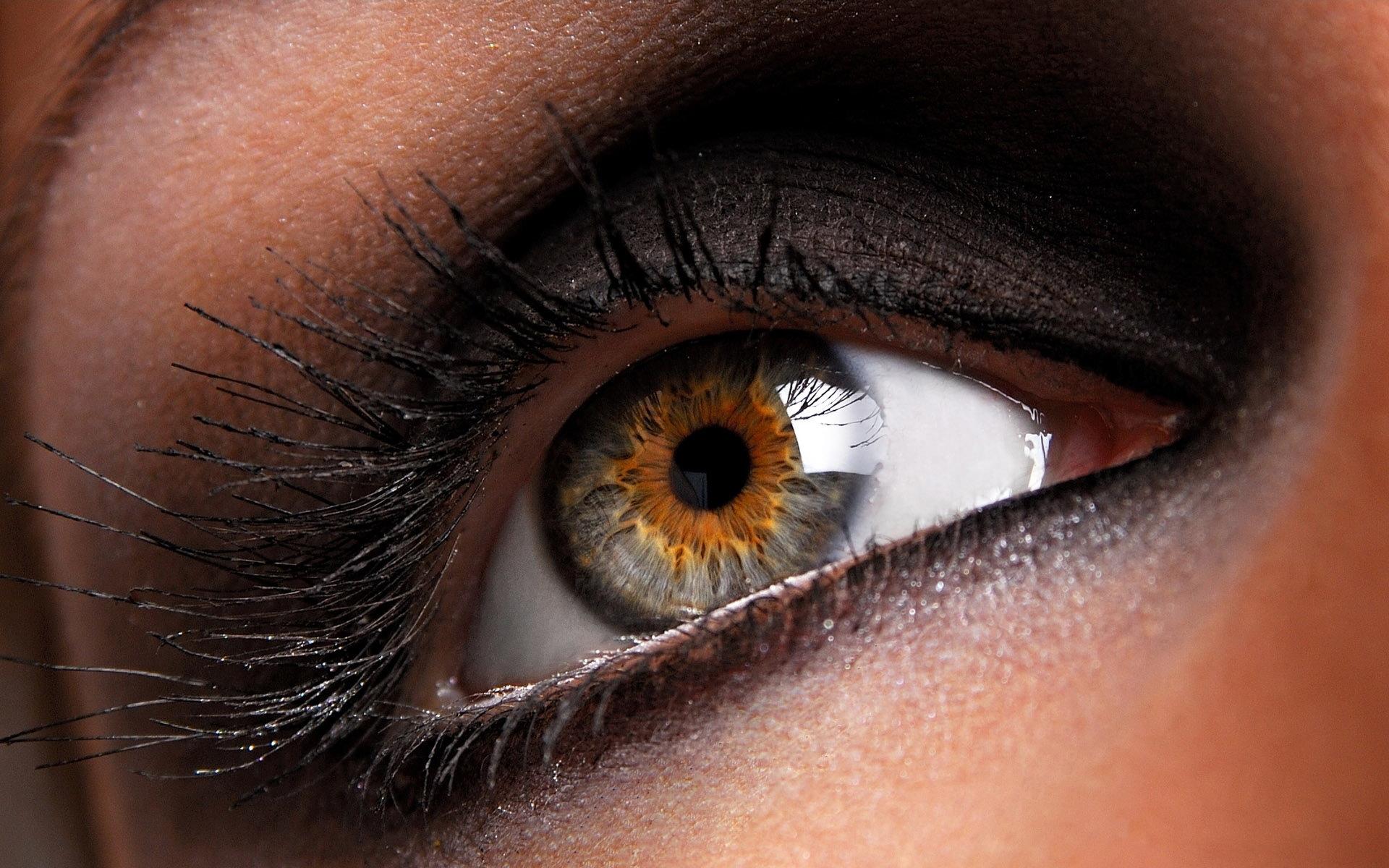 Фото красивых глаз с ресницами