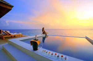 Бесплатные фото тропики,мальдивы,море,закат,курорт,девушка,разное