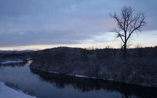 Бесплатные фото вода,река,берег,снег,трава,дерево,закат