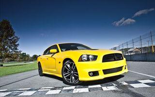 Фото бесплатно автомобиль, желтый, колеса