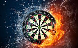 Фото бесплатно дартс, мишень, круги, цифры, огонь, молния, водо, брызги, игры