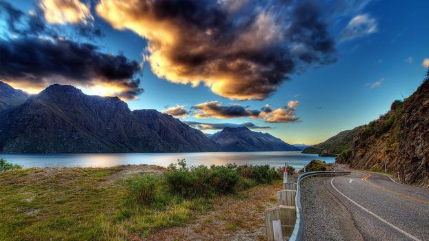 Фото бесплатно дорога, загородная, горы, река, облака, пейзажи