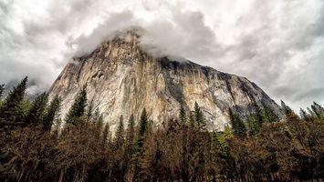 Бесплатные фото гора,скала,камни,деревья,облака,природа,пейзажи