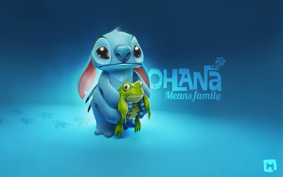 Фото бесплатно lilo and stitch, мультик, герои, заставка, обои, фон, голубой, лягушка, заяц, ohana, means family, следы, уши, глаза, нос, мультфильмы