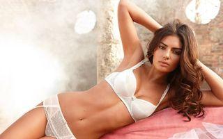 Photo free model, breasts, underwear
