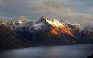Фото бесплатно озеро, горы, вершины, снег, небо, природа, пейзажи