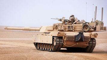 Бесплатные фото танк,пушки,оружие,солдаты,пустыня,гусеницы