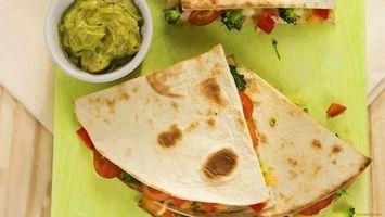 Бесплатные фото тесто,пицца,соус,зеленый,тарелка,зелень,еда