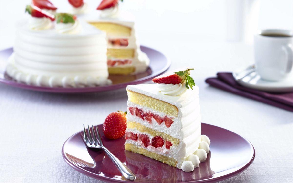 Фото бесплатно торт, десерт, клубника, крем, тарелка, вилка, еда, еда