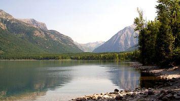 Бесплатные фото вода,лес,деревья,камни,горы,небо,природа