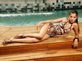 Фото бесплатно дівчина, лежить, вода