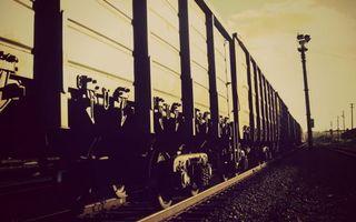 Бесплатные фото железная,дорога,поезд,вагоны,столбы,черно-белое,фото