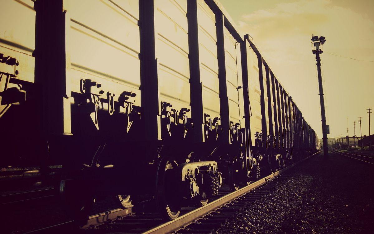 Обои железная, дорога, поезд, вагоны, столбы, черно-белое, фото, разное на телефон | картинки разное