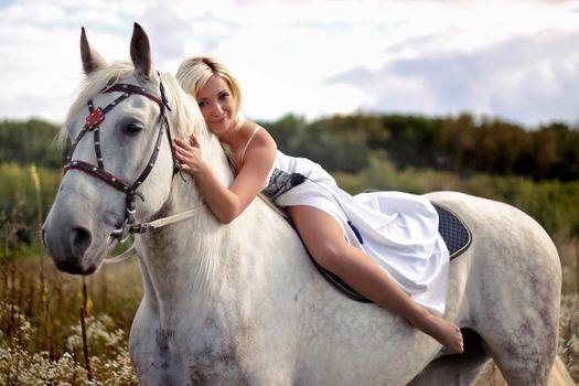 Фото бесплатно лошадь, белая, девушка