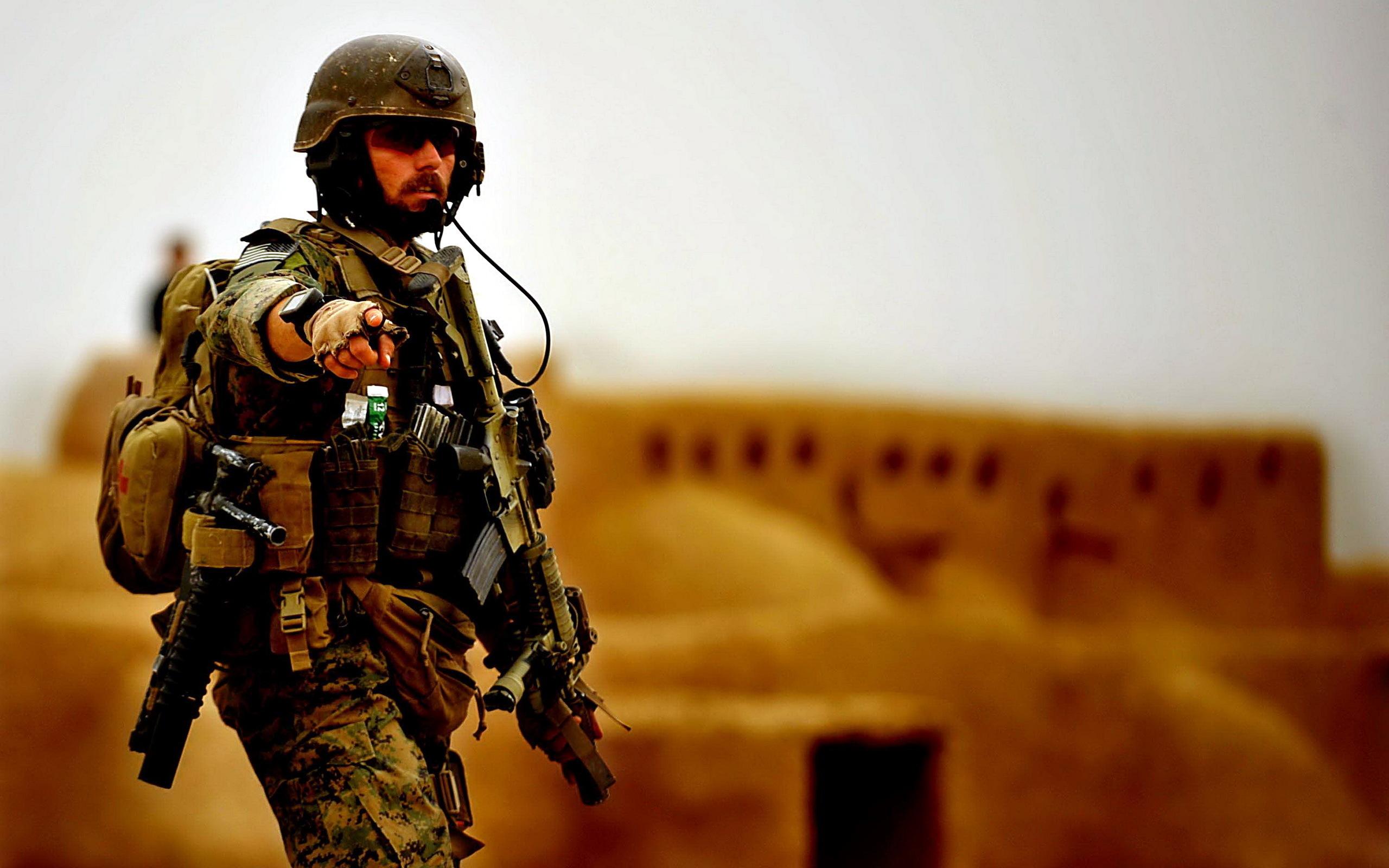обои для рабочего стола военные солдаты № 808090  скачать