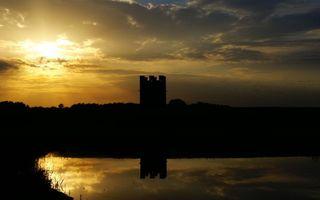 Бесплатные фото закат,солнце,небо,облака,башня,озеро,отражение