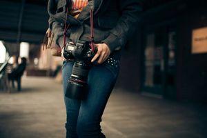 Бесплатные фото фотоаппарат,макро,canon,девушка