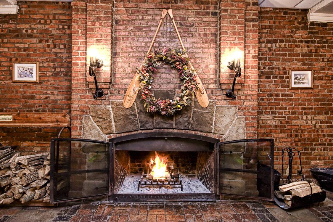 Фото бесплатно камин, печь, огонь, дрова, пламя, костёр, угли, интерьер