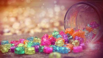 Фото бесплатно конфеты, банка, сладости, десерт, фон, розовый, фигурки, маленькие, еда, разное