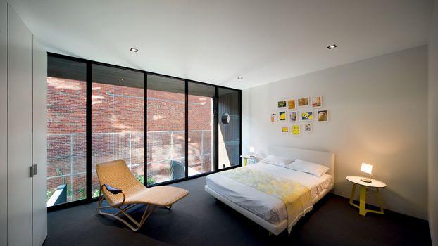 Фото бесплатно спальня, кровать, кресло