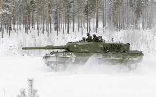 Бесплатные фото танк,башня,ствол,гусеницы,катки,скорость,снег