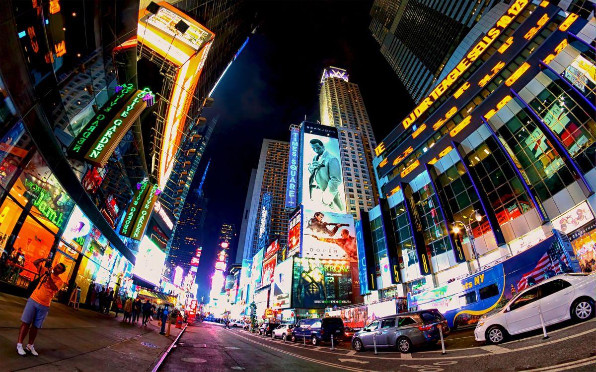 Фото бесплатно улица, ночь, вечер, огни, свет, дорога, асфальт, автомобили, дома, высотки, окна, рекламы, город, город