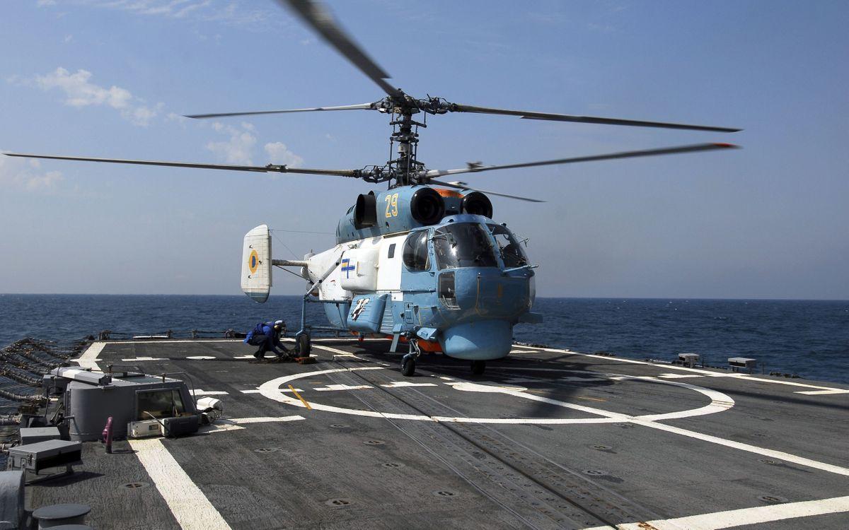 Фото бесплатно вертолет, лопасти, океан - на рабочий стол