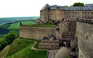 Photo free castles, ditch, grass