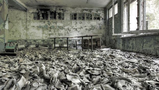 Photo free building, abandoned, gas masks