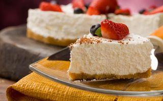 Бесплатные фото десерт,торт,кусочек,ягода,клубника,лопатка,тарелка