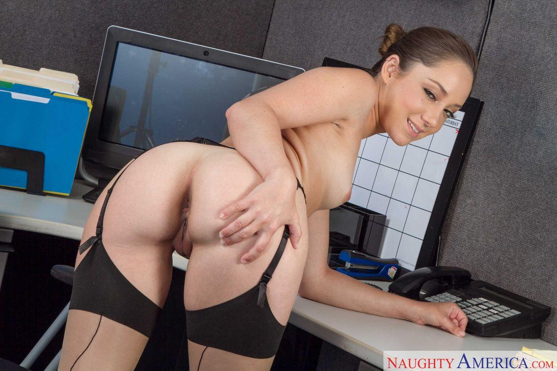 Фото бесплатно Remy La Croix, девушка, модель, красотка, голая, голая девушка, обнаженная девушка, позы, поза, сексуальная девушка, эротика, эротика