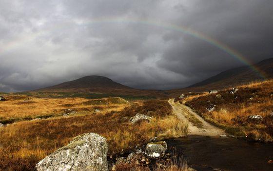 Бесплатные фото трава,камни,дорога,сопки,холмы,радуга,тучи