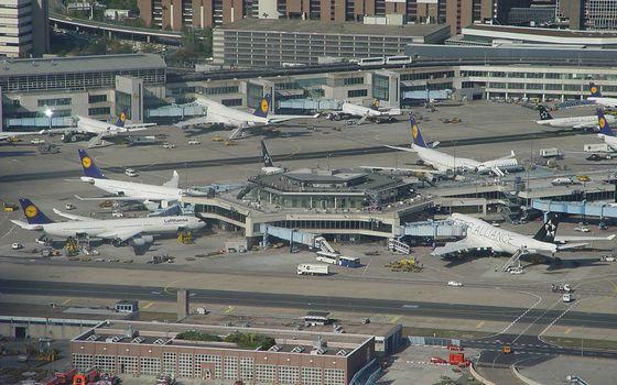 Фото бесплатно аэропорт, здания, самолеты, пассажирские, спецтехника