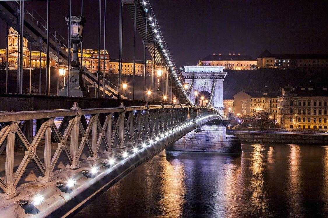Фото бесплатно Замок Буда с видом на Цепной мост Будапешт, ведущий через реку Дунай, Будапешт - на рабочий стол
