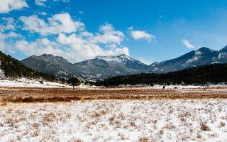 Бесплатные фото зима,предгорье,трава,снег,деревья,горы,небо