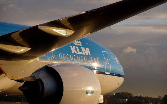 Фото бесплатно самолет, пассажирский, иллюминаторы