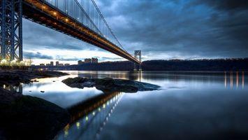 Бесплатные фото вечер,река,мост,конструкция,подсветка,берег,деревья
