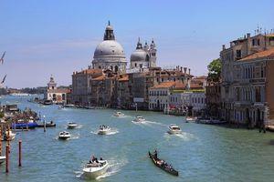 Заставки Венеция,Италия,город,дома,архитектура,лодки,вода