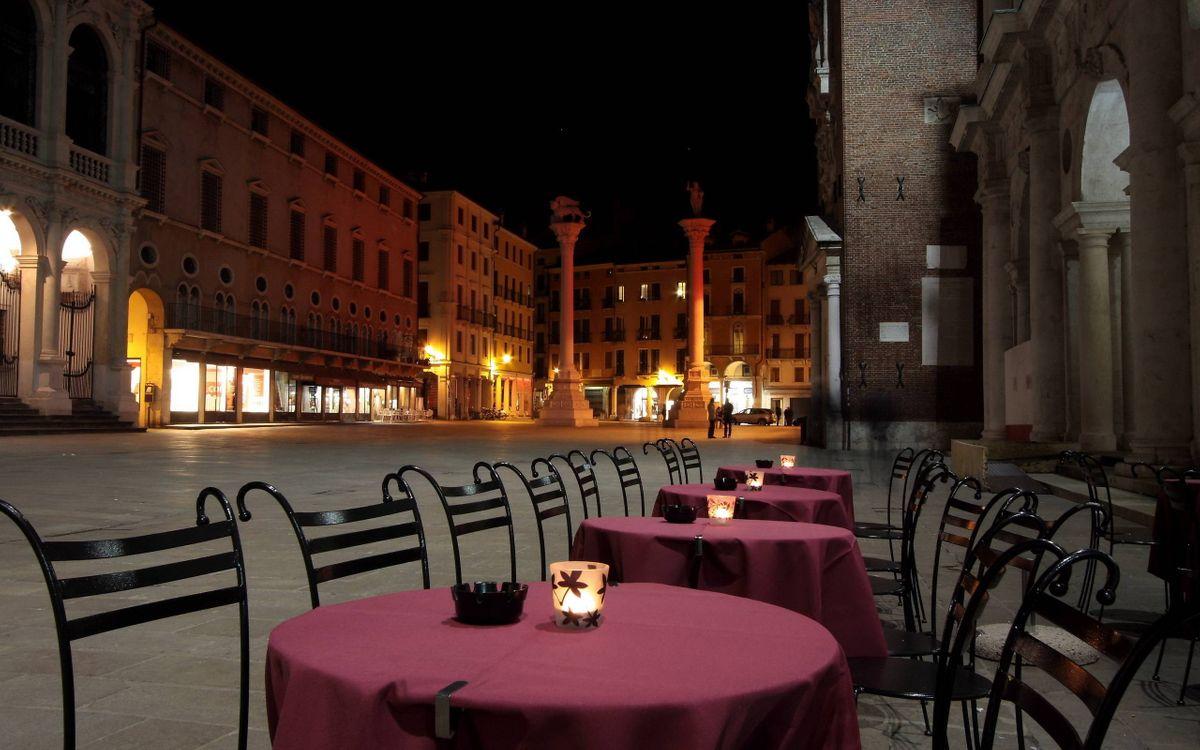 Фото бесплатно уличное кофе, столики, стулья - на рабочий стол